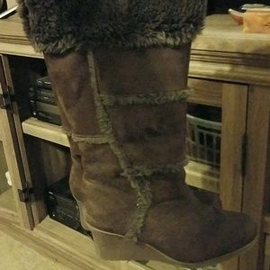 BROWN WEDGE FUR BOOTS